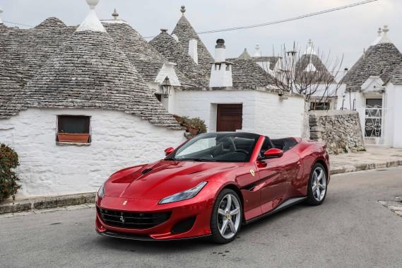 Le début du printemps lance traditionnellement la saison des cabriolets. Ferrari propose, avec la Portofino, de célébrer le retour des beaux jours dans la plus grande joie. (Toutes les photos Ferrari)