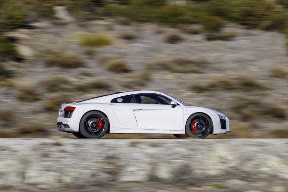 Audi R8 V10 RWS ()