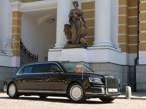 Cette nouvelle voiture présidentielle est «meilleure que celle du (président américain Donald) Trump», a assuré un hôte de la cérémonie, cité par l'agence de presse publique Ria Novosti. (AFP)