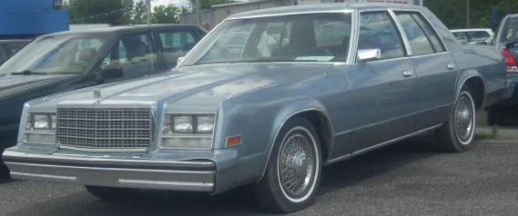 <strong>La voiture qui marqué son enfance -</strong> Une Chrysler Newport 1981 la première voiture neuve de la famille. (photo Wikipédia)