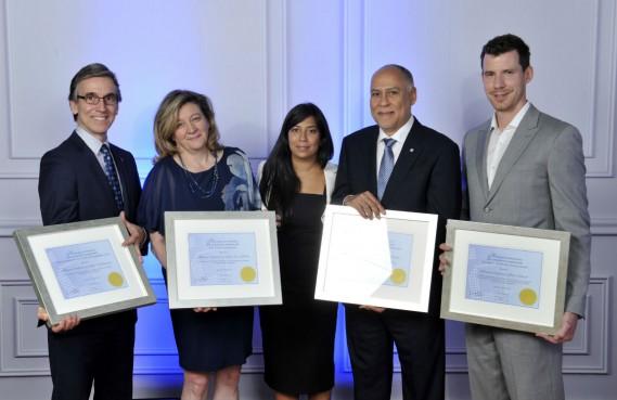 De gauche à droite: Stéphane Vaillancourt, Andrée-Lise Méthot, Kathy Baig, Patrick Paultre et Mark Driscoll. (Photo fournie par l'OIQ)