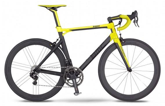 <strong>BMC Lamborghini Impec -</strong> Ce vélo de route conçu conjointement par la marque suisse BMC et l'italienne Lamborghini est vendu à 50 exemplaires sous l'enseigne Impec, reconnue pour la qualité de ses vélos. Prix : 40 000 $ (photo Lamborghini)