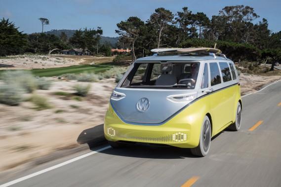 Volkswagen va construire aux États-Unis les versions productions de l'I.D. Buzz (ci-haut), le descendant électrique du minibus Volks des années 60, ainsi que l'I.D. Crozz, un VUS électrique. (Photo Volkswagen)