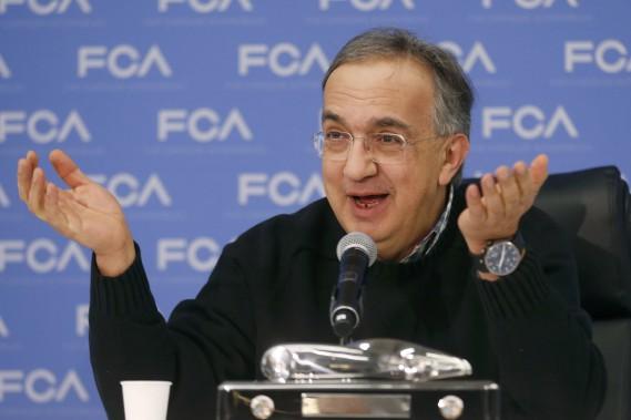 Sergio Marchionne est mort ce matin à Zurich. On le voit participant à une conférence au Salon de l'auto de Détroit, le 9 janvier 2017, après que la Chrysler Pacifica eut gagné le prix de la Voiture de l'année. (photo REUTERS)