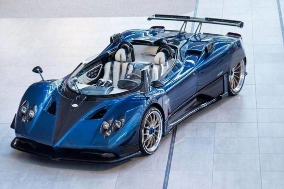 la d capotable au prix d coiffant la zonda hp barchetta est l 39 auto la plus ch re au monde. Black Bedroom Furniture Sets. Home Design Ideas