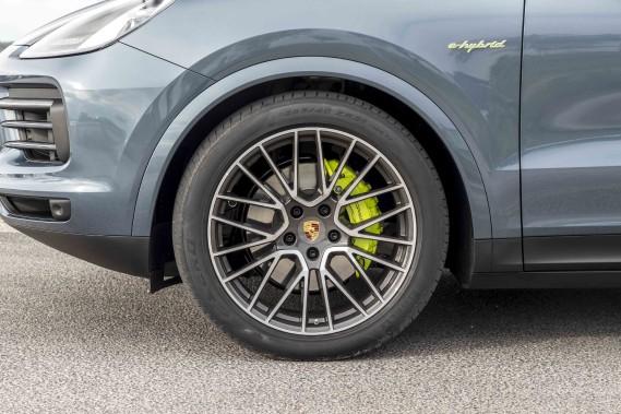 Banc d'essai de la Porsche Cayenne Hybrid Fournie par Porsche AG (.)