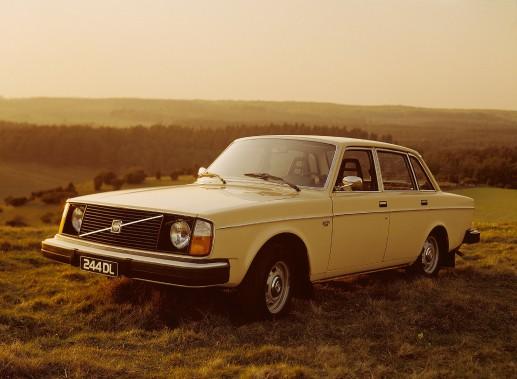 <strong>La voiture de ses rêves -</strong> «La vieille Volvo carrée.» Ci-haut, la Volvo 244 DL. (Photo Volvo)