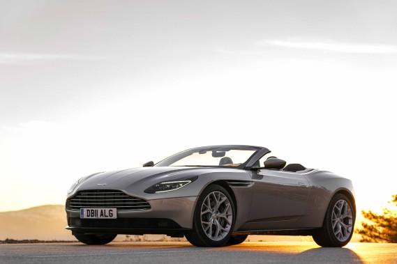 Pour son cachet inimitable, son supplément d'âme, cette Aston Martin est avant tout le confortable refuge d'un art de vivre sans pareil. Elle est l'une des rares de son espèce à résister au processus industriel normal et à préserver l'empreinte de ses artisans. (Toutes les photos Aston Martin)