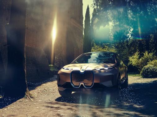 Reste à savoir --comme toujours-- ce qui restera de toutes les merveilles montrées dans ce prototype quand sera lancée la version de série que BMW promet pour 2021. ()