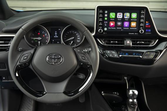 Toyota C-HR 2018. ()