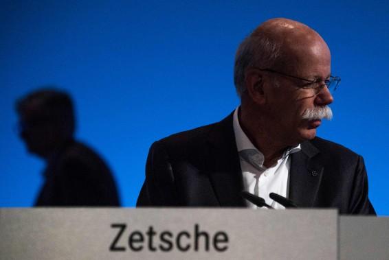 Zetsche quitte Daimler, plongé dans le dieselgate et le virage électrique