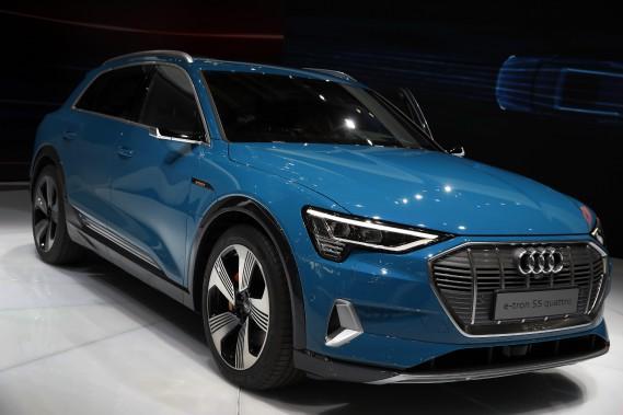 L'Audi e-tron au Mondial de l'auto de Paris le 2 octobre. (photo AP)