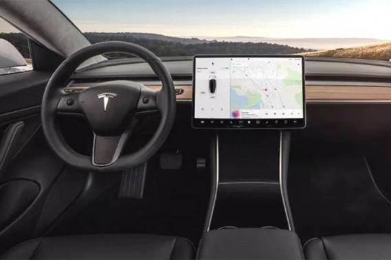 Le poste de pilotage du Modèle 3. (Photo Tesla)