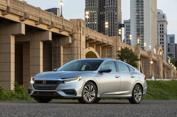 La Honda Insight n'a rien d'un laideron. Mais on dirait que Honda a tout fait pour qu'elle ne se fasse pas remarquer. (Toutes les photos Honda)