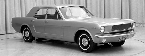 Cette étude de style à quatre portières avait été présentée à la haute direction de Ford en avril1963 et rejetée d'un revers de main. ()