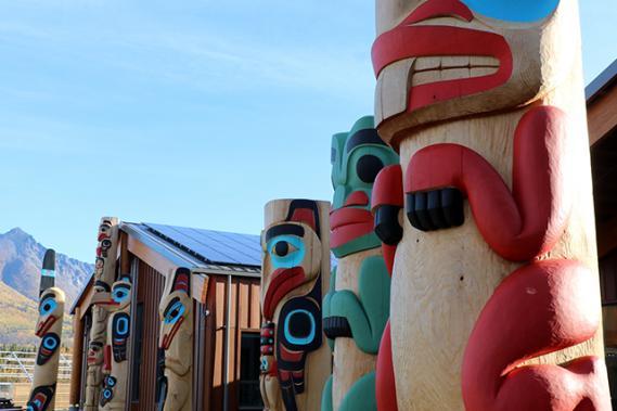 Le Carcross Learning Centre présente l'art, la culture et l'histoire de la communauté des Tlingits et des Tagish. (Chantal Lapointe)