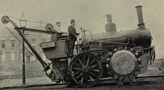 La paternité du rouage intégral est souvent attribuée à l'ingénieur anglais Bramah Joseph Diplock, qui avait développé le concept en vue de haler de lourdes charges avec cette locomotive routière. (Photo domaine public)