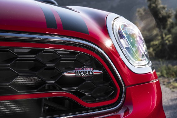 La calandre de la Mini Countryman JCW (Photo fournie par Mini)