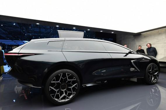 L'Aston Martin Lagonda All-Terrain, un prototype tout électrique dévoilé au Salon de l'auto de Genève. (photo AFP)