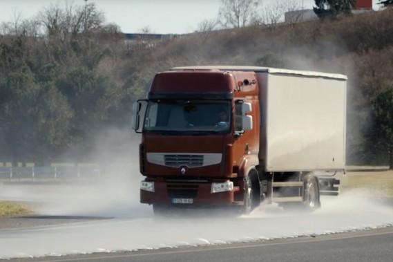 L'inventrice des pneus de ce camion est la «femme de l'année» en automobile