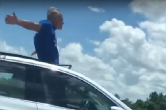 Un super tour de SuperCruise met un propriétaire de Cadillac dans le pétrin