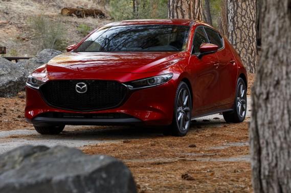 Des Mazda3 et Acura ILX rappelées