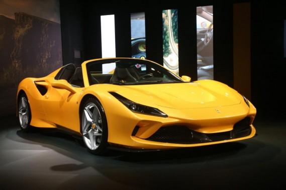 Ferrari lance deux modèles décapotables