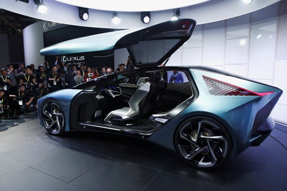 La Lexus LF-30 du futur ne vous laisse pas porter votre valise vous-même