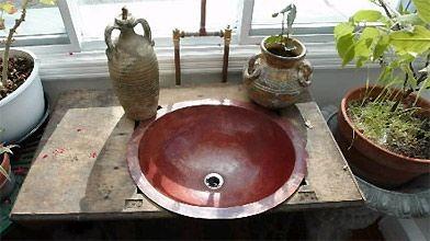 le charme des lavabos en cuivre simon diotte d coration. Black Bedroom Furniture Sets. Home Design Ideas