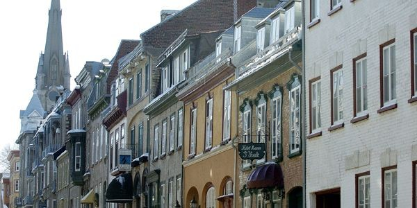 Malgré la récente flambée des prix, le marché de l'immobilier de Québec demeure... (Photo archives Le Soleil)