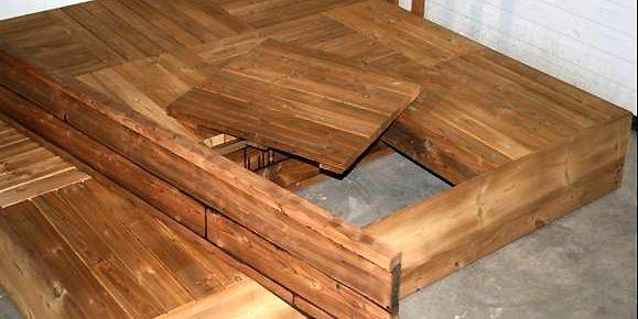 Chaque carreau de bois pèse 10 livres. À... (Photo: www.patioouellet.com)