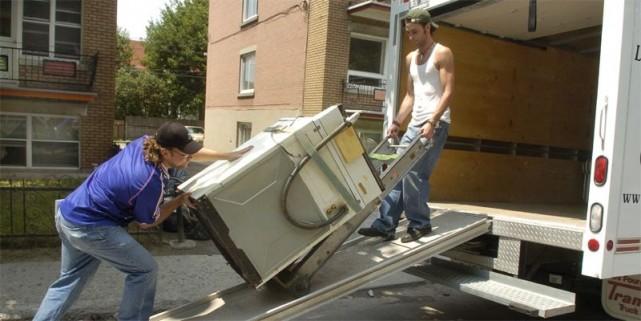 Pour déménager, il est important de louer ce qu'il faut auprès d'une entreprise... (Photo : archives La Presse)