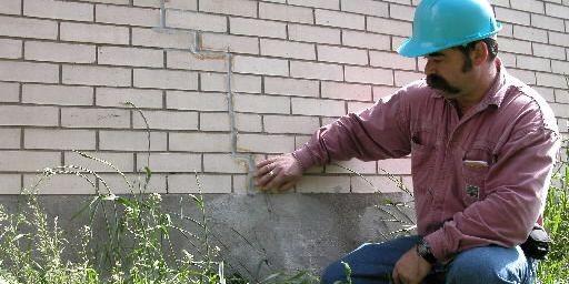 Puisque le béton peut prendre jusqu'à 15 mois pour sécher, des fissures peuvent... (Photothèque La Presse)