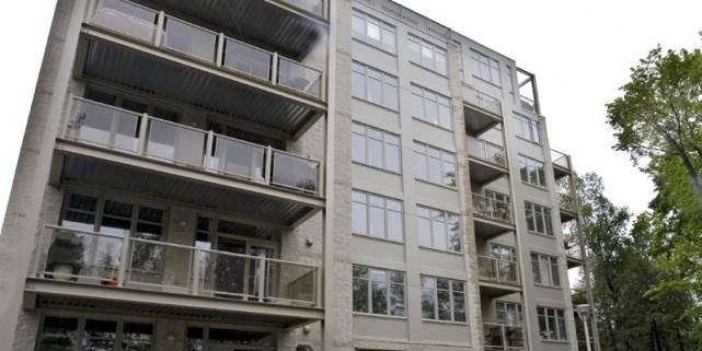 Chaque bâtiment de sept étages compte 35 lofts,... (Photo Patrick Sanfaçon, La Presse)