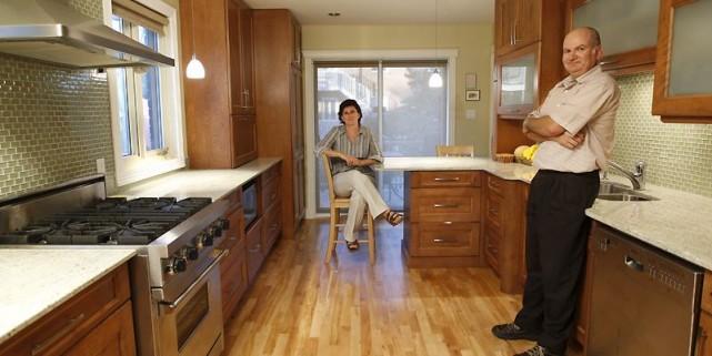 une maison enti re r nover danielle bonneau le coin du bricoleur. Black Bedroom Furniture Sets. Home Design Ideas