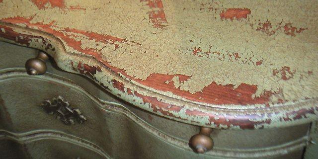 Des meubles neuf qui ont l 39 air vieux mich le laferri re for Faux fini antique meuble