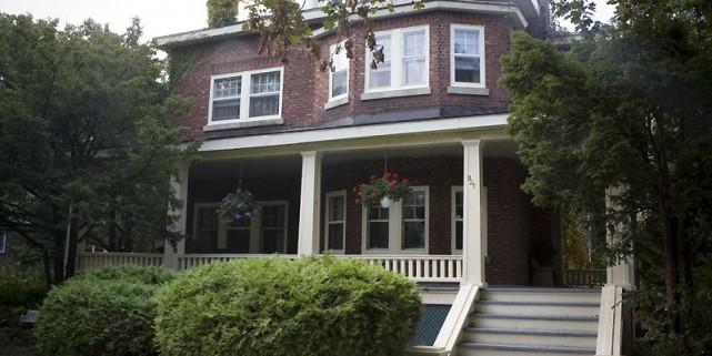 Cette résidence victorienne du 325, 41e Avenue à... (Photo fournie par la Ville de Montréal)