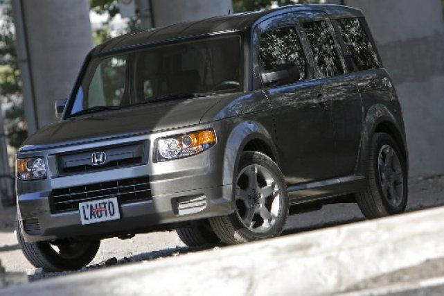 Au Japon, l'Element et ses semblables sont appelés Love Cars par les amoureux... (Photo Patrick Sanfaçon, La Presse)