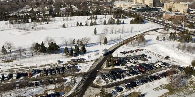 Vue du terrain accessible du boulevard de l'Assomption.... (Photo Armand Trottier, La Presse)