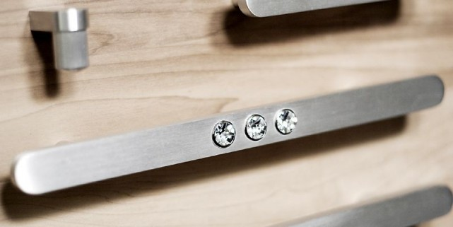 Design qu b cois la foire du meuble de new york marie for Meuble quebecois design