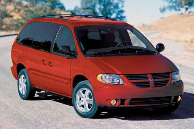 La Dodge Caravan 2005... (Photo fournie par Chrysler)
