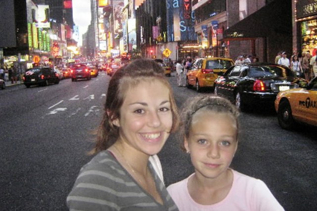 Laure et Mathilde à New York... (Photo Marie-France Léger, La Presse)