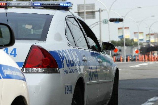 Une femme de 36 ans pourrait être accusée de méfait public pour avoir déclenché... (Archives La Presse)