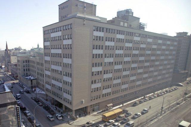 Québec envisage de raser l'hôpital Saint-Luc | Denis ...
