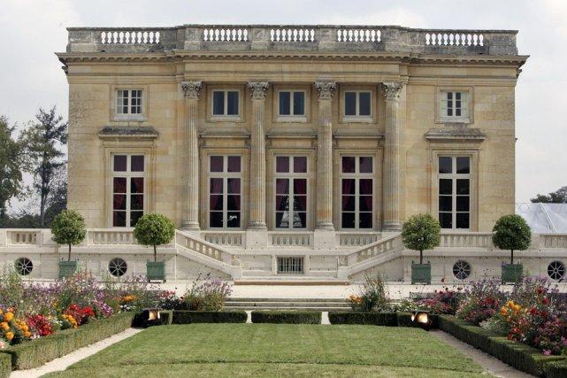 Le petit trianon de versailles restaur comme en 1789 france for Jardin anglais du petit trianon