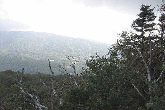 Le massif des monts SUttons constitue l'une des... (Photo: Simon Diotte)