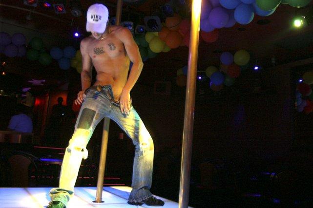 prostitution gay à paris