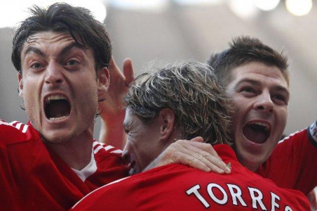 Albert Riera, Fernando Torres, et Steven Gerrard de... (Albert Riera)
