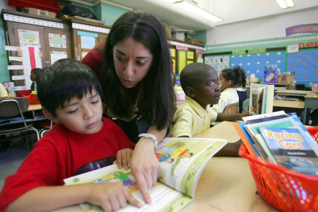 La ministre de l'Éducation, Michelle Courchesne, a reconnu hier que la hausse... (Archives AP)
