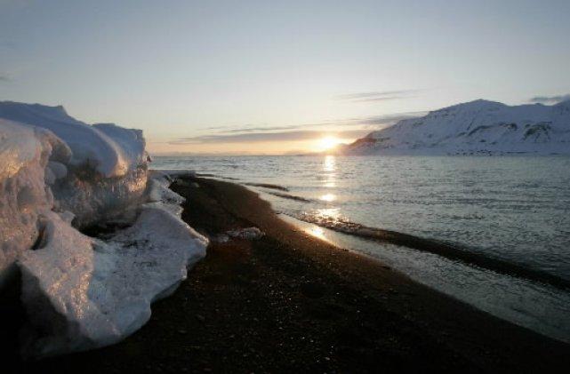 La température moyenne cet automne dans l'Arctique se situe 5 degrés Celsius... (Photo Reuters)